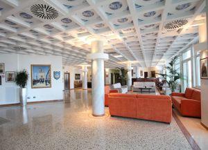 Best Western Palace Hotel вестибюль