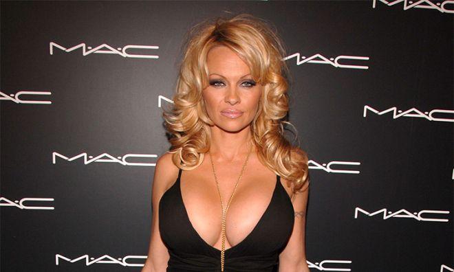 Модель и актриса призналась, что никогда не пользовала кремы с SPF