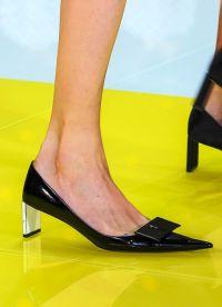 cipele pada 2016. 34