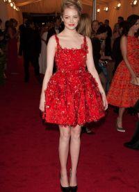 црвена обуцарска ципела 6