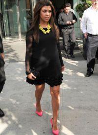 Cipele ispod crne haljine 8