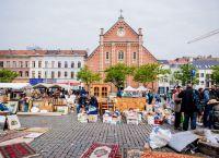 Flea Market at Jeu de Belle