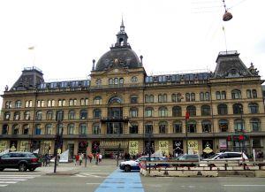 Крупнейший торговый центр Скандинавии Magasin du Nord
