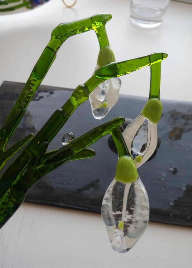 Из Сигтуны туристы привозят изделия из стекла