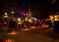 Рынок Otres Market ночью