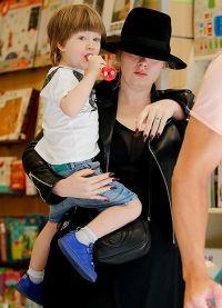 Адель с 4-летним сыном Анджело