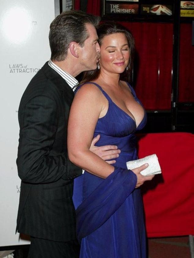 Пирс Броснан и Кили Шэй Смит в 2004 году