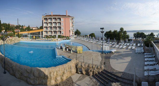 Отель на побережье Hotel Aquapark Žusterna