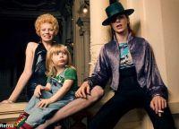 Дэвид Боуи с первой женой Анжелой Баретт и их сыном Дунканом Джонсом