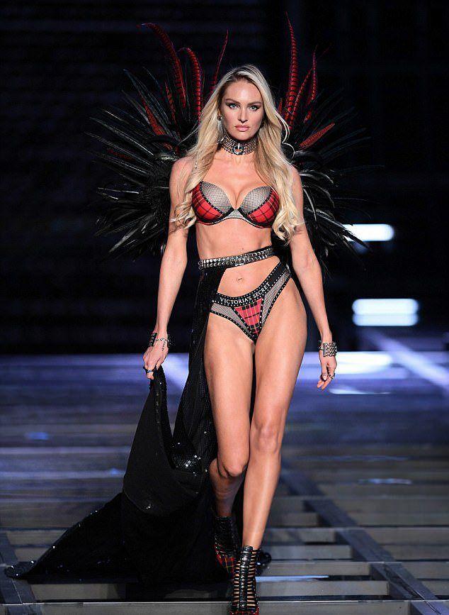 Кэндис на показе Victoria's Secret в Шанхае