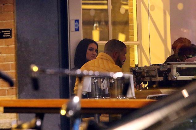 Glasnogovornici zvijezda opovrgavaju njihovo druženje i romantičnu večeru.