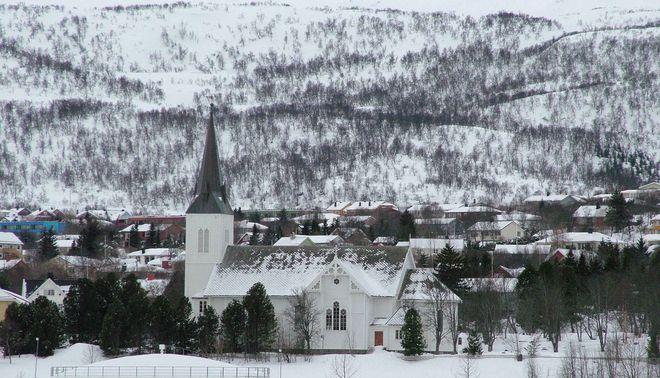 Готическая церковь (Sortland kirke) в Сортланне