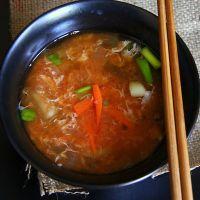 zupa kimchi z jajkiem