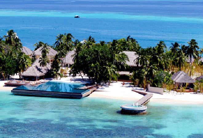 Оlhuveli beach spa resort