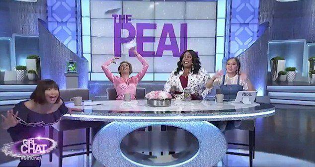 Певица Мелани Браун на американском шоу The Real