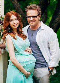 Наталья Подольская беременная с мужем