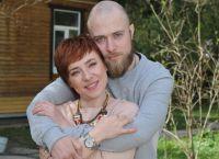 Тутта Ларсен беременная  с мужем