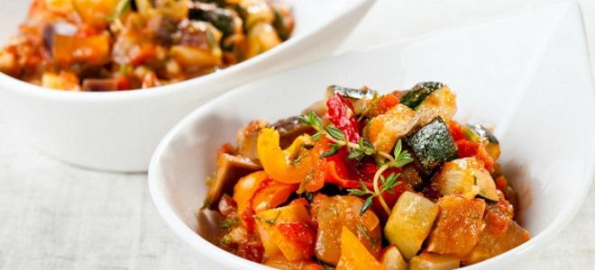 zeleninová guláš s dýní a cukety