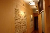 kamień we wnętrzu korytarza1