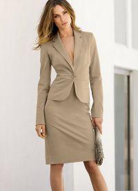 surowy kostium żeński 4