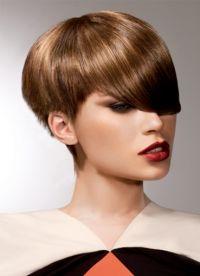 stylové účesy pro krátké vlasy 7