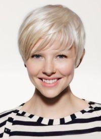 stylové účesy pro krátké vlasy 9