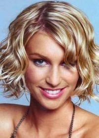stylowe fryzury dla średnich włosów 4