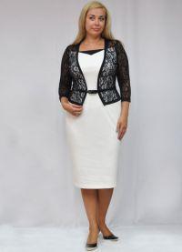 modely letních šatů pro ženy za 50 let