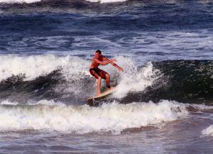 Серфинг в Эс-Сувейре