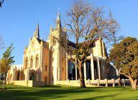 Церковь в долине
