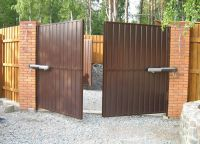 Swing gates2