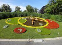 Цветочные часы в Английском парке Женевы