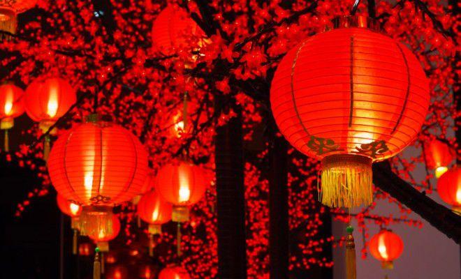 червени фенери