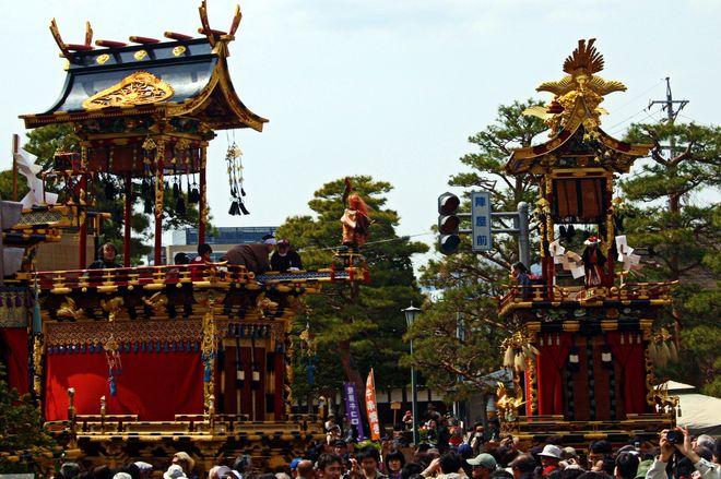 Фестиваль Такаяма