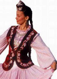 Татарски фолклорен костюм 3