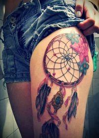 tatuaż łapacz snów na stopie 2