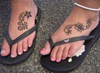 tatuaż henną na piechotę 8