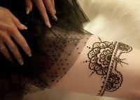 tatuaż henny na piechotę 9