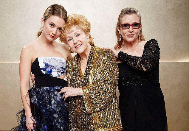 Билли Лурд с бабушкой Дебби Рейнольдс и мамой Кэрри Фишер