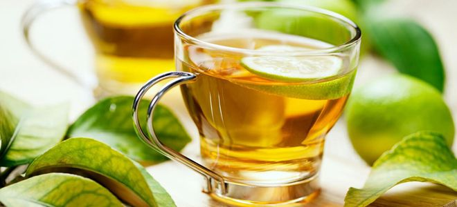 Зелени чај са лимуном