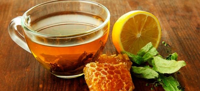 Чај са лимуном и медом