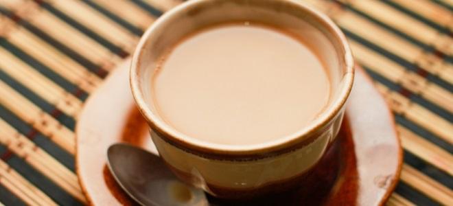 Čaj z mlekom in medom