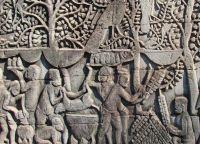 Барельеф первой террасы храма