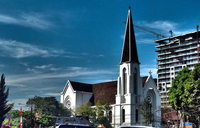 Католический Собор Святого Петра (Бандунг)