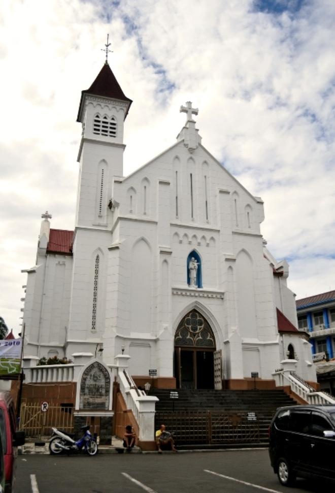 Католический Собор Пресвятой Девы Марии (Богор)