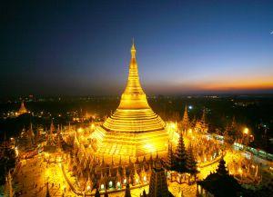Пагода Шведагон ночью