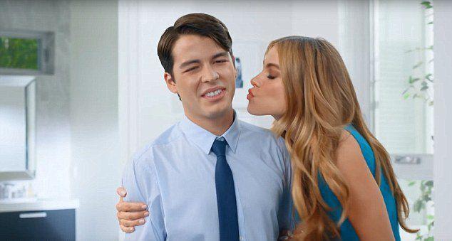 Маноло и София Вергара в рекламном ролике в 2014 году