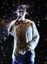 Джастин Бибер спел аж три композиции