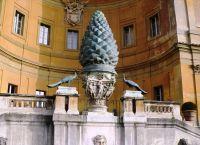 Бельведерский дворец и знаменитая шишка