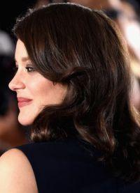 Актриса на премьере